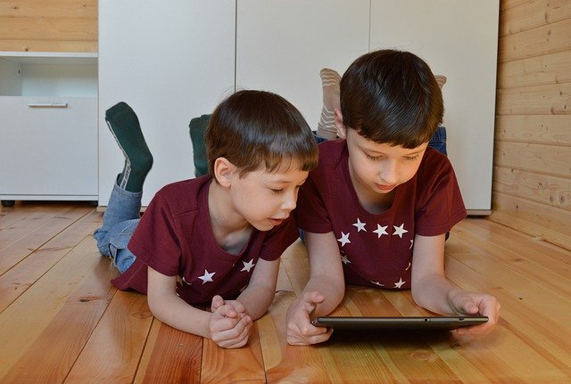 Appropriate screen time for kids