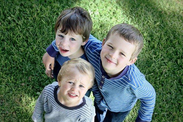 3 siblings brothers